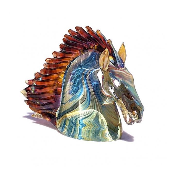 ornamental luxury handmade sculpture in chalcedony glass